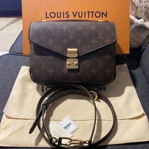 Louis Vuitton Pochette Metis - Brand New in Box